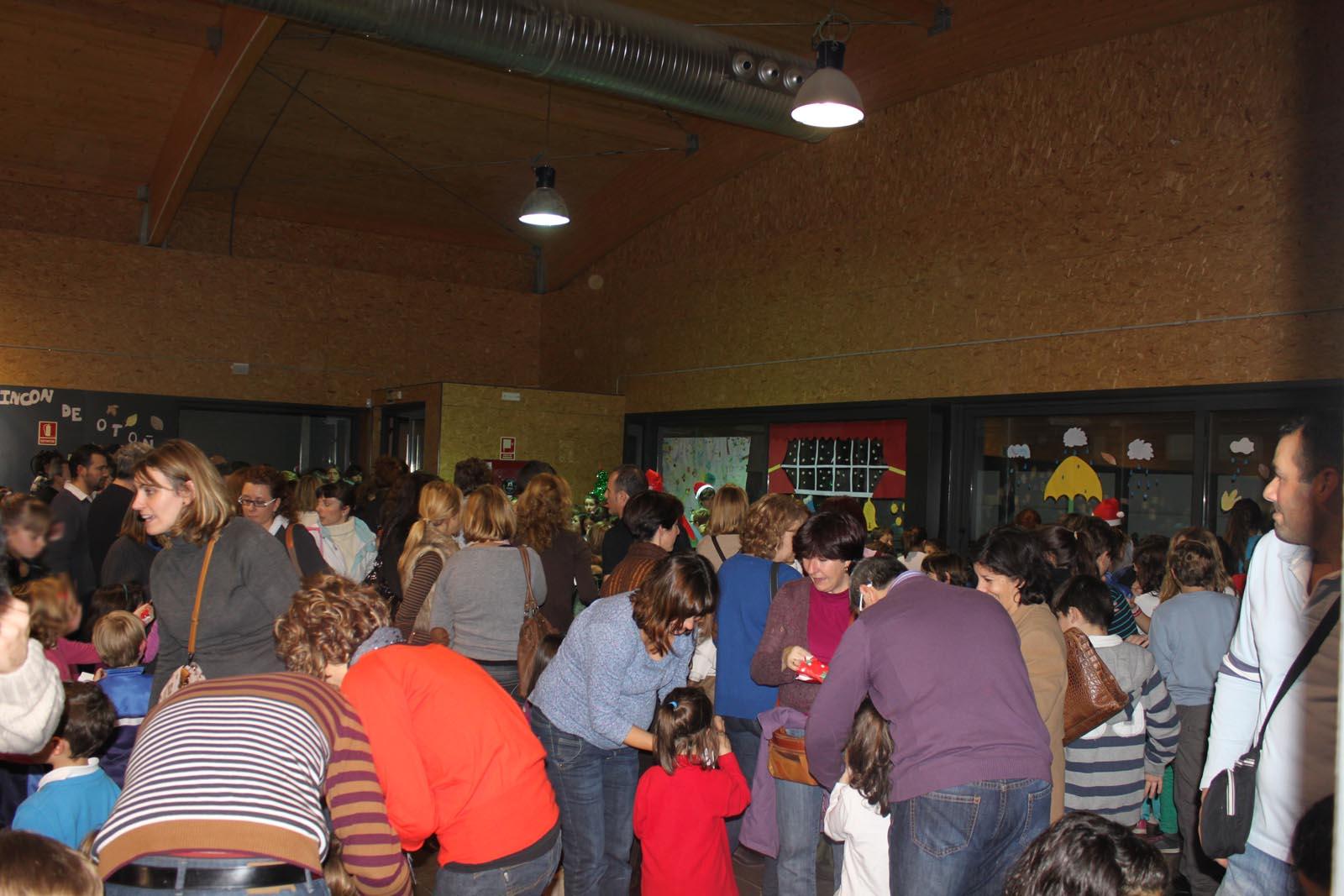 Estas viendo imágenes de: Merienda navideña 2012